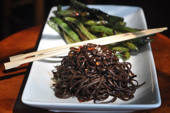 how to make black spaghetti noodles